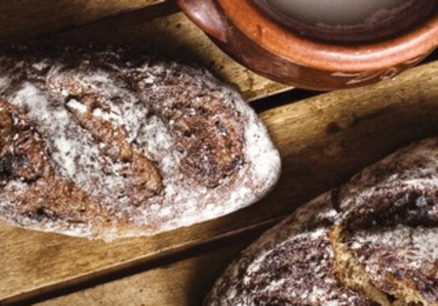 It is said that Borodinsky bread was baked by the wife of Kutozov before the battle of Borodino