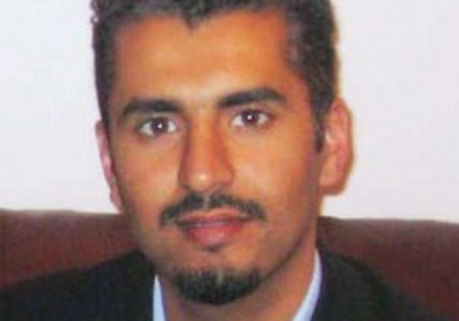 Former Islamic extremist renounces ideology