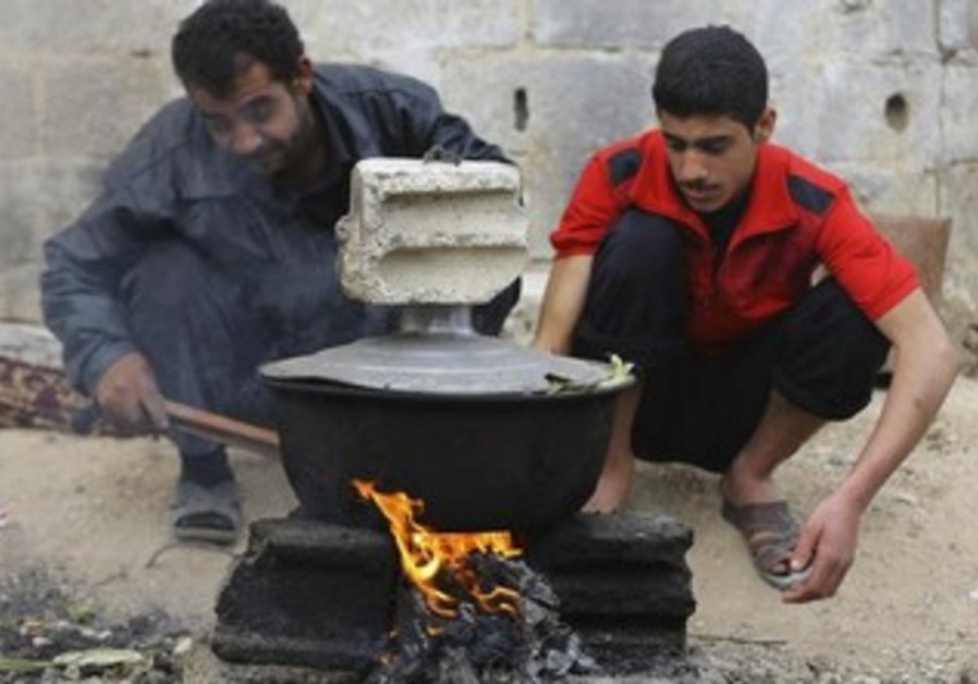 Syrians cope with gas shortage in Damascus