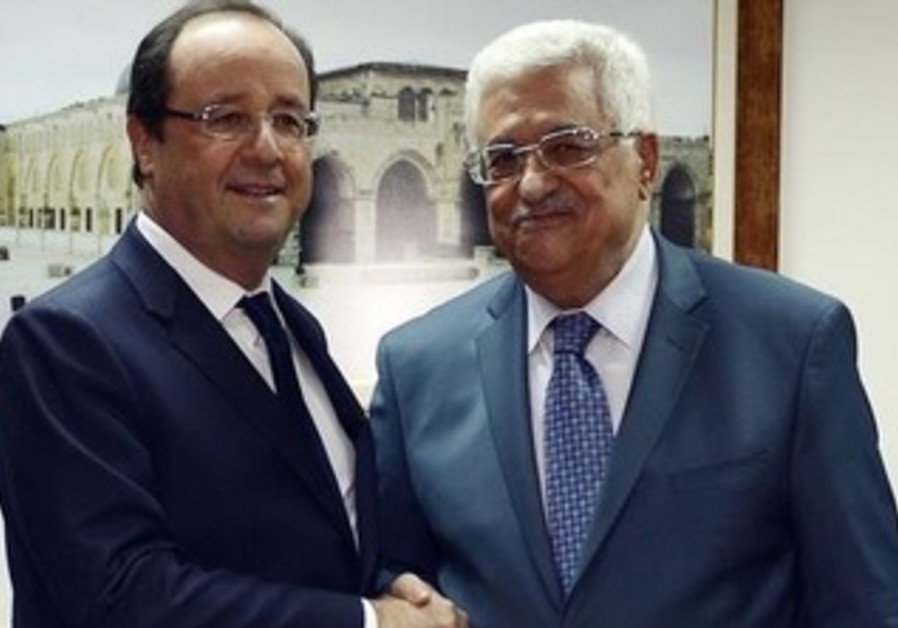 French President Hollande meeting with PA President Abbas in Ramallah, November 18, 2013.