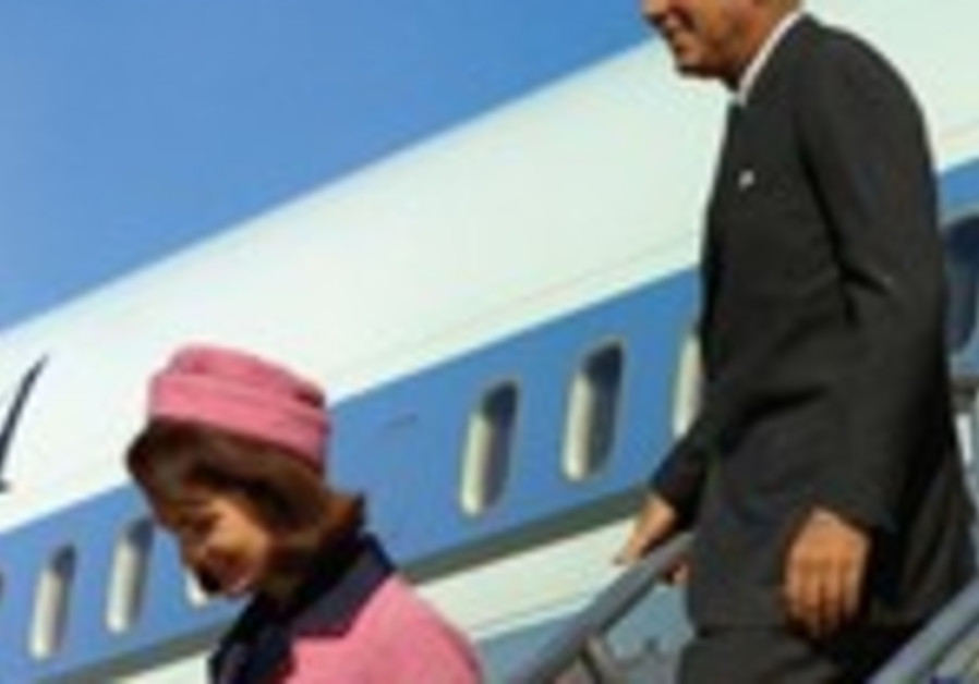 US President John Kennedy and his wife in Dallas