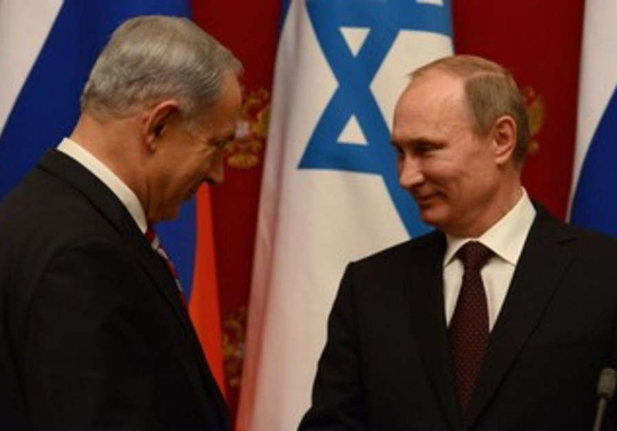 Prime Minister Netanyahu meets with Russian President Putin in Moscow, November 20, 2013.