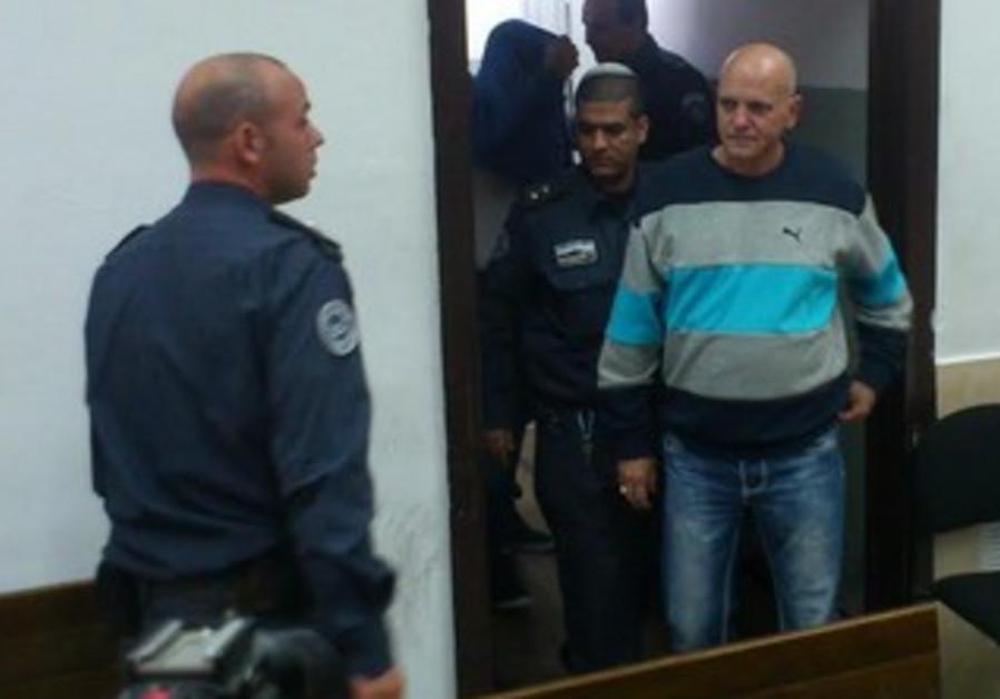 Eyal Golan's father Dani Biton in court November 24, 2013