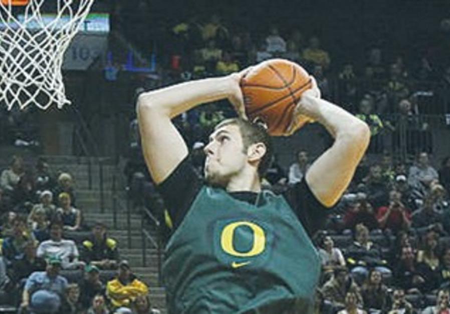 Israel-born sophomore power-forward for the University of Oregon, Ben Carter