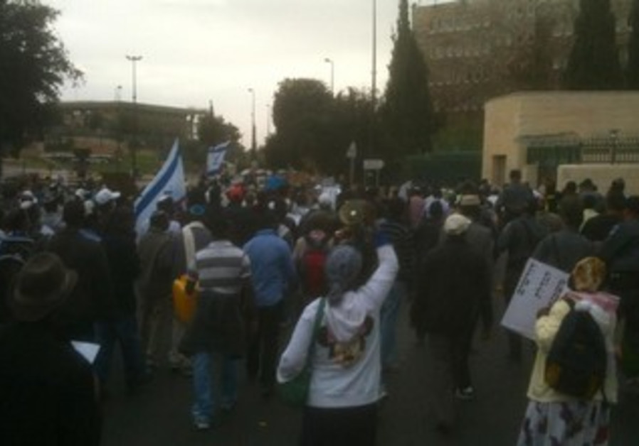 Ethiopian immigrants protest in Jerusalem, Dec 3 2013.