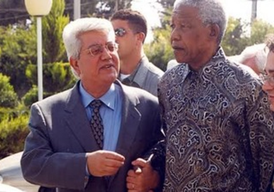 NELSON MANDELA, David Levy at  Foreign Ministry in Jerusalem, October 19, 1999.