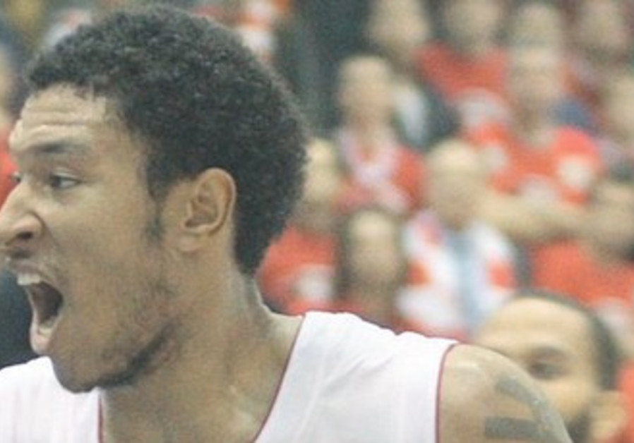 Justin Harper scored a gamehigh 26 points for Hapoel Tel Aviv in its victory over Maccabi Haif