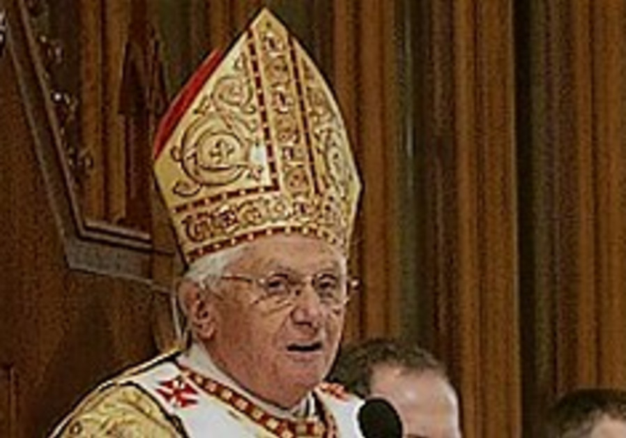 Vatican: Holocaust denier must recant