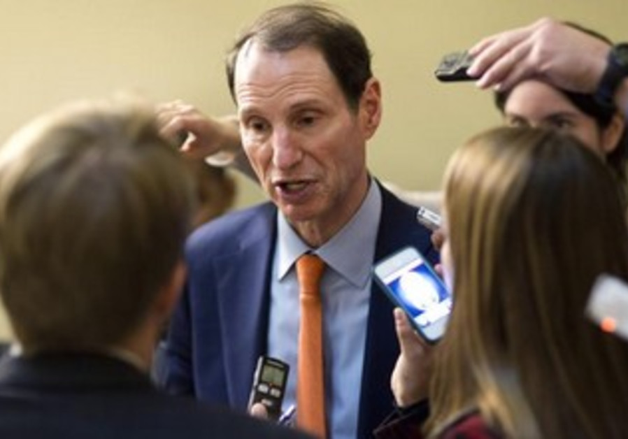 US Senator Ron Wyden (D-OR)
