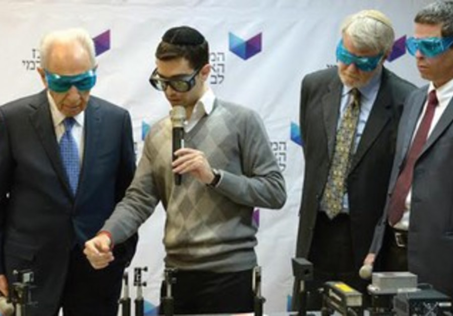 President Peres at Jerusalem College of Technology.