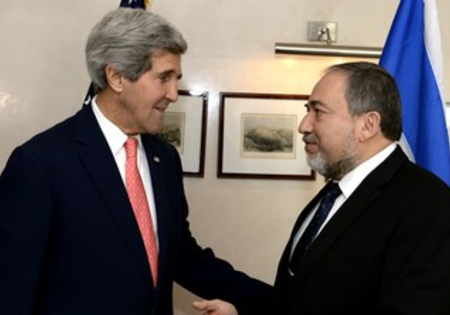 US Secretary of State John Kerry meets with Foreign Minister Avigdor Liberman, January 3, 2014.