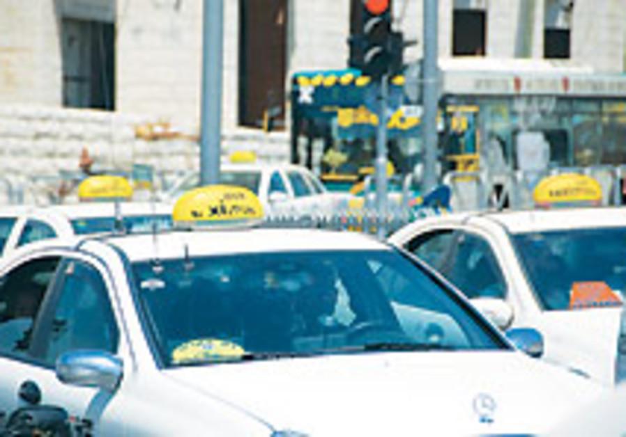 Ben-Eliezer tells taxi drivers he'll consider diesel price cap