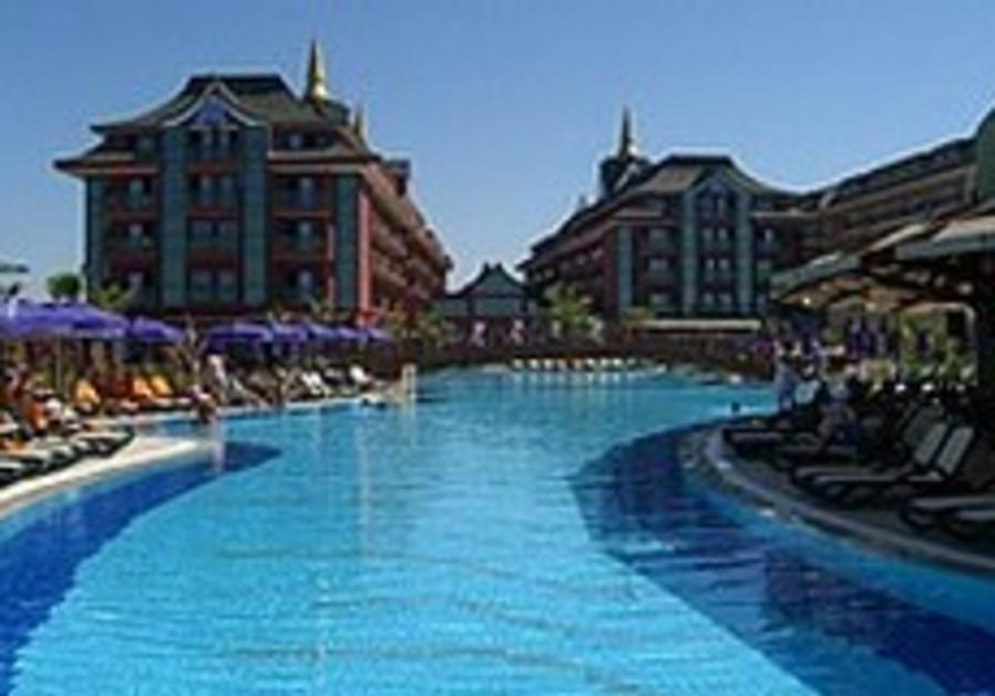 Israelis ambivalent about Turkey trips