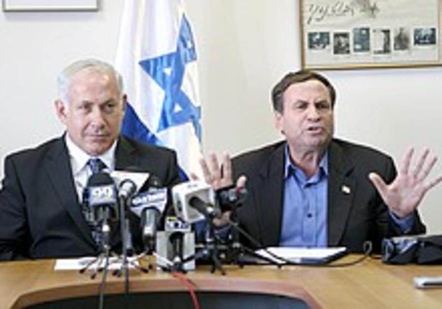Uzi Dayan joins Likud, hails Netanyahu for fight on corruption