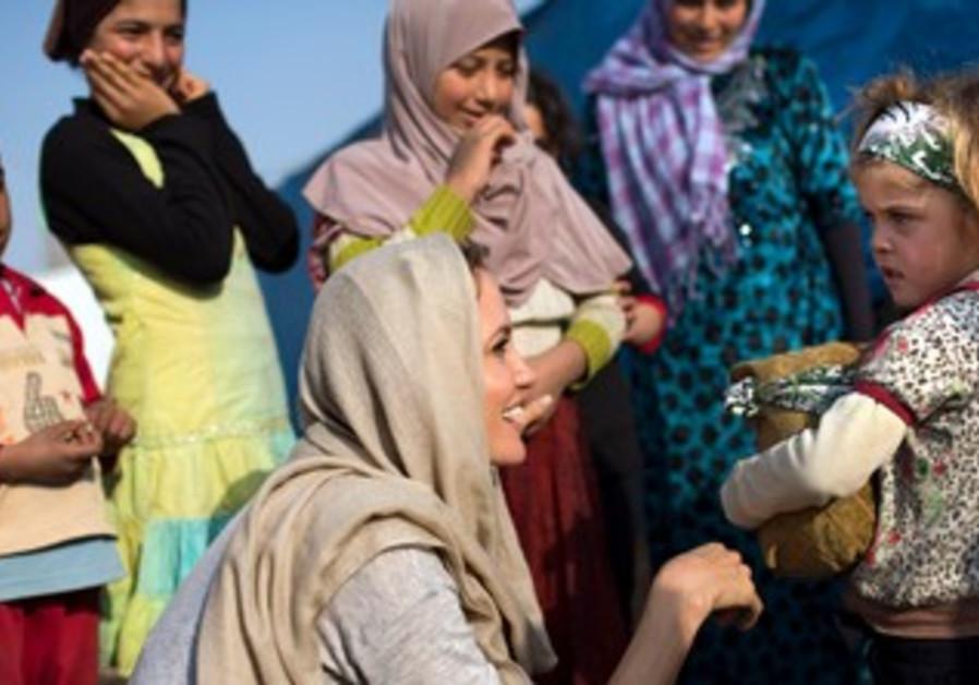 Angelina Jolie syrian refugees lebanon