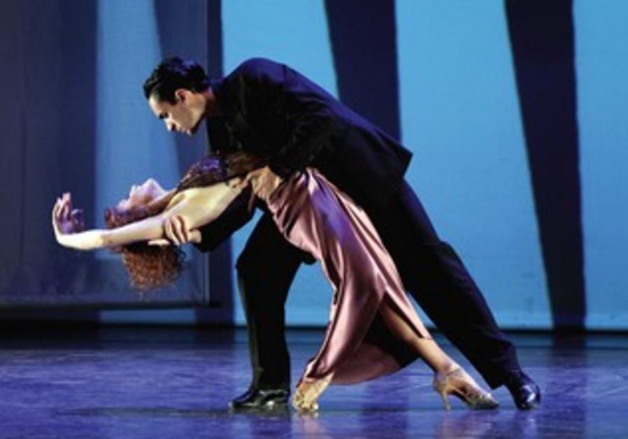 Argentinean dance troupe Pasiones
