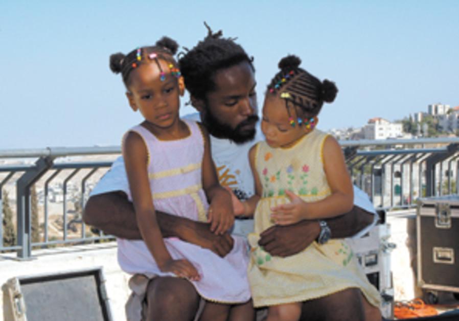 joel covington rapper and family 298.88