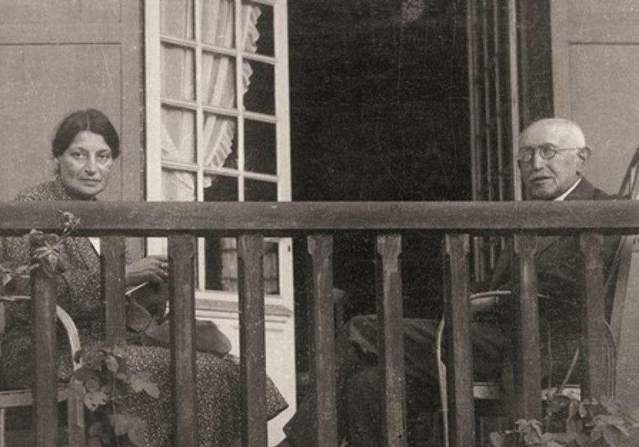 Lucie and Alfred enjoy the fresh air in 1934.