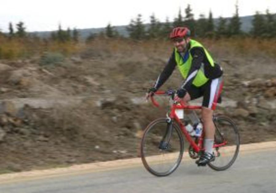 saul on bike 298.88