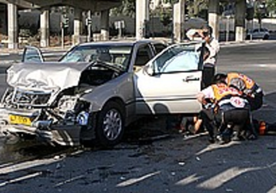 Women cause fewer accidents than male drivers, study says