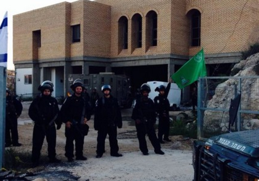 Border Police at Yitzhar, April 11, 2014.