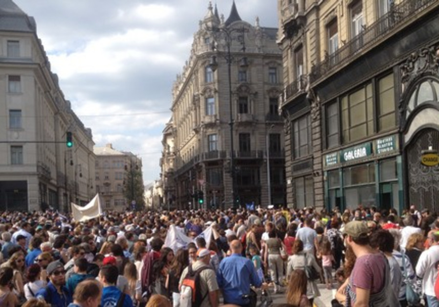 THOUSANDS OF HUNGARIAN JEWS take part in the 'March of the Living' in Budapest
