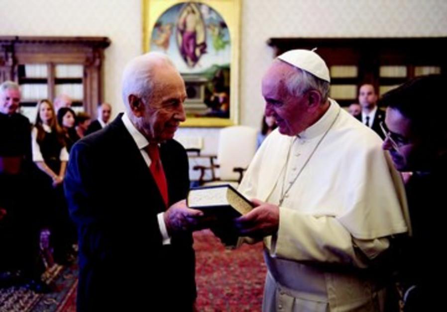 Shimon Peres et le Pape Francois