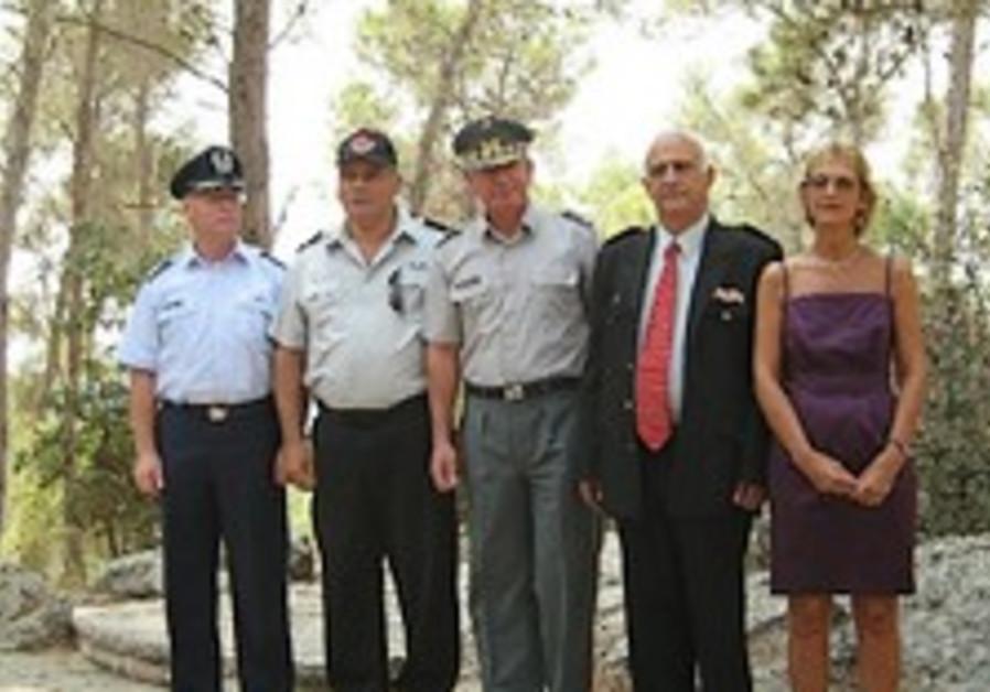 Chilean medal awarded to Israel's fire commissioner at KKL-JNF O'Higgins recreation area