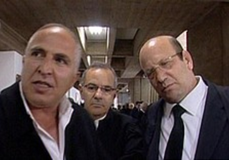 Mafia war rages in Netanya, as bikers shoot at mob boss