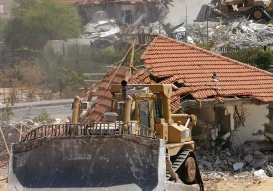 Despite legal warning, Netanyahu says deporting terrorists' families is effective