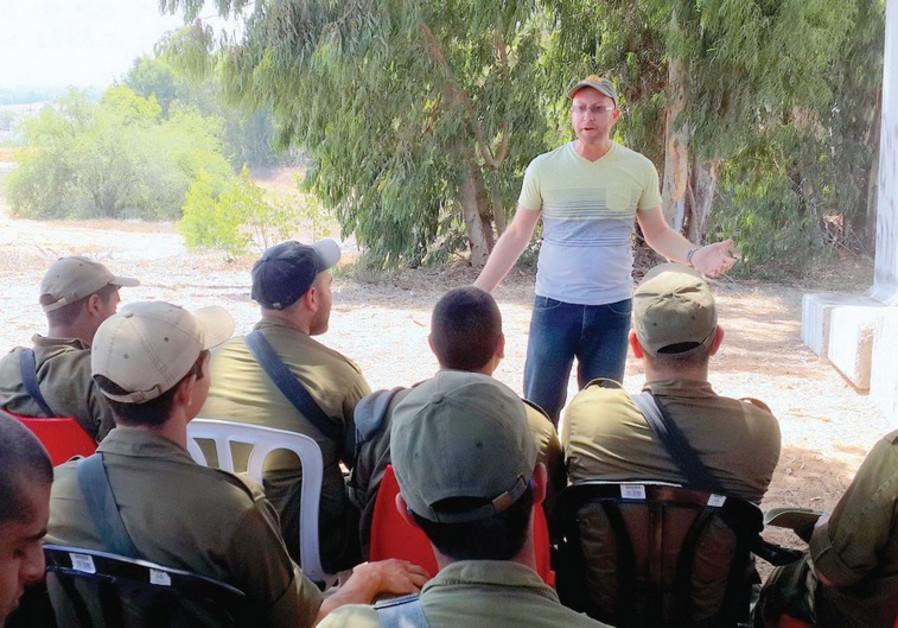 SERIOUSLY FUNNY: Benji Lovitt performs for Israeli troops near Gaza