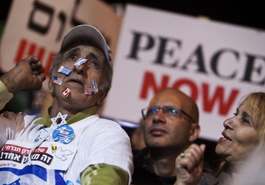 Pro-peace demonstrators