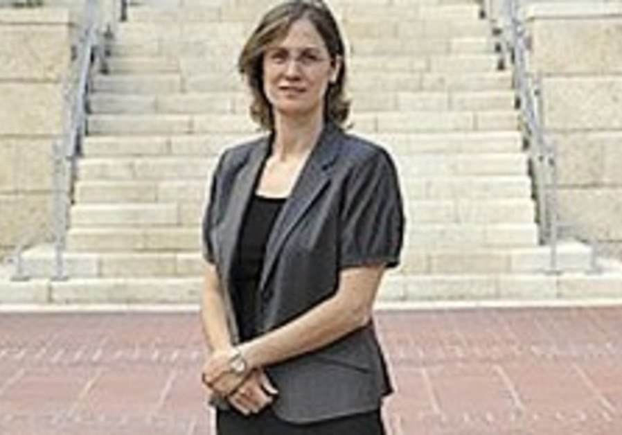 Social Affairs: Tziona Koenig-Yair: Lady liberty