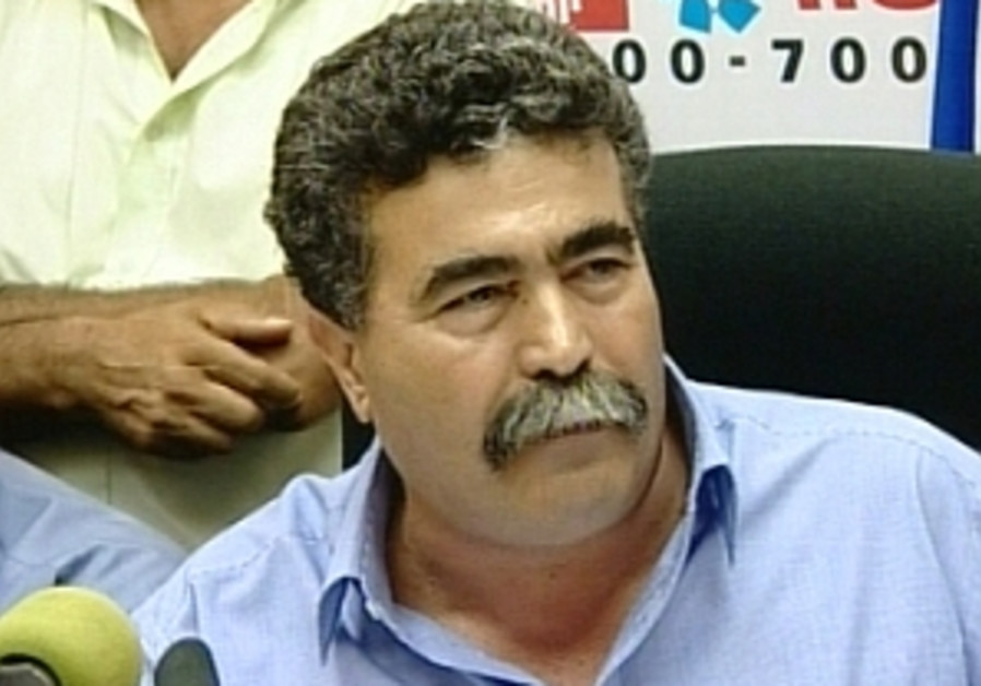 Peretz won't rule Arabs out of coalition