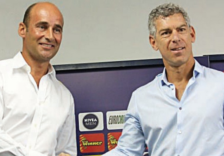 Mitch Goldhar (right), Martin Bain (left)