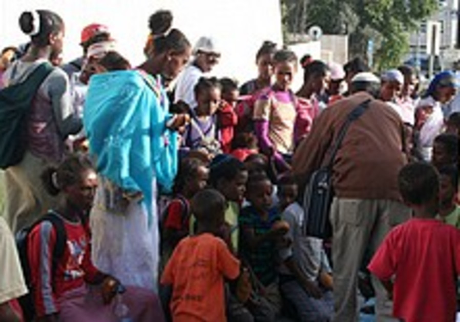 Ethiopian olim protest conditions at Beit Alfa absorption center
