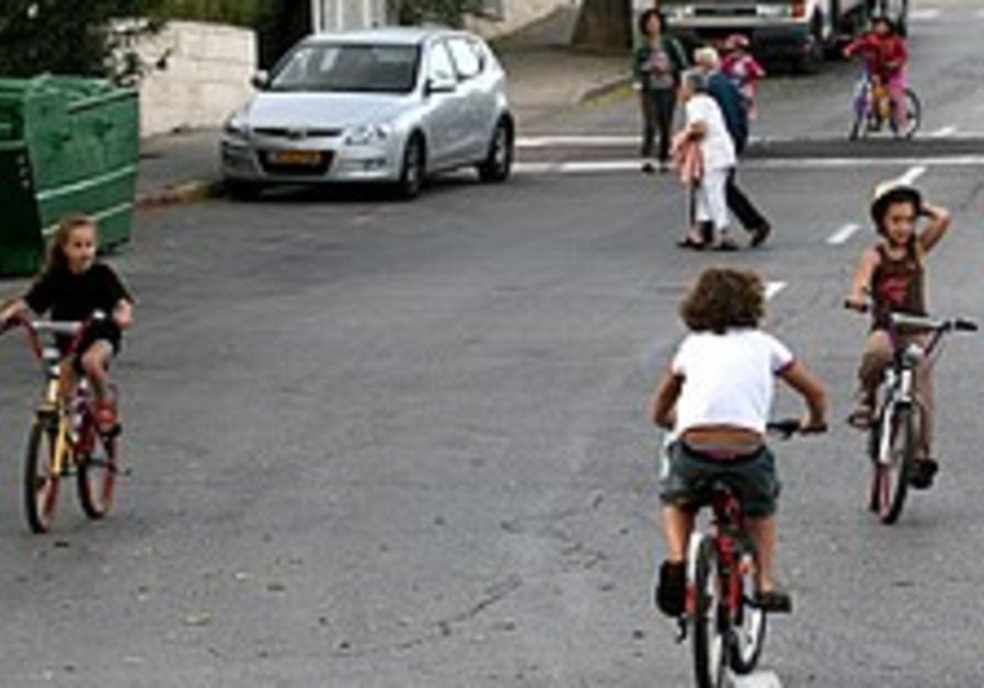 More kids hurt on bicycles in Rehovot than any other city
