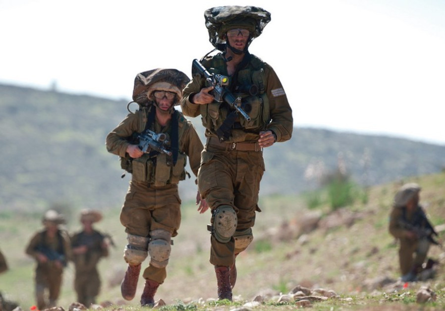IDF PARATROOPERS return after an intensive week of training.