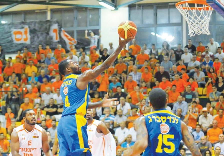 Maccabi Tel Aviv guard Jeremy Pargo