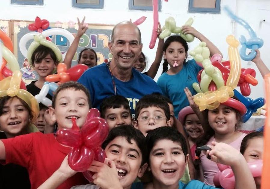 Philip Bloom with children