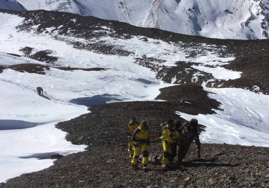 nepal avalanche