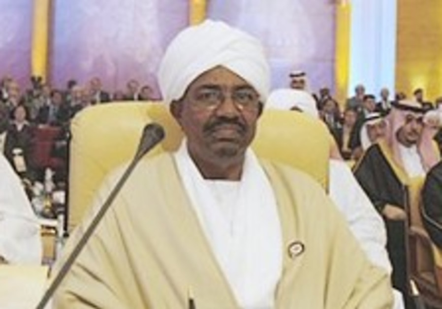 Sudan's leader, UN chief face off at Arab summit