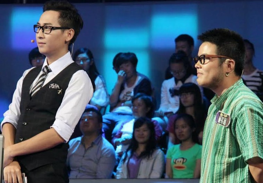 Lechao Tang (right) participating in Chinese game show.