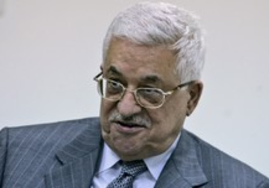 Abbas calls PM, wishes a happy Pessah