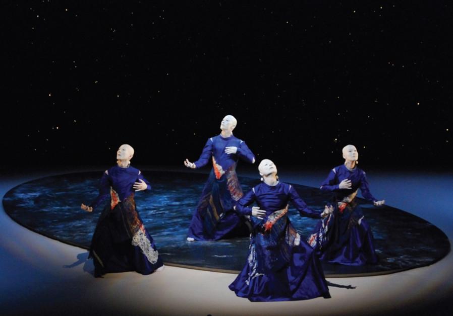The Japanese dance troupe Sankai Jukut
