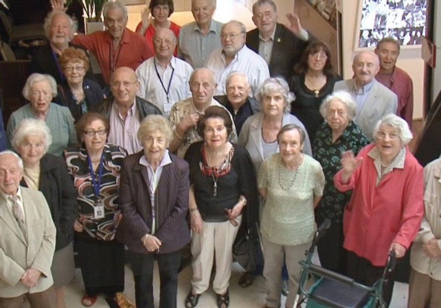 SURVIVORS GATHER at the Jewish Holocaust Center in MelbourneRABBI PINCHAS ZEKRY