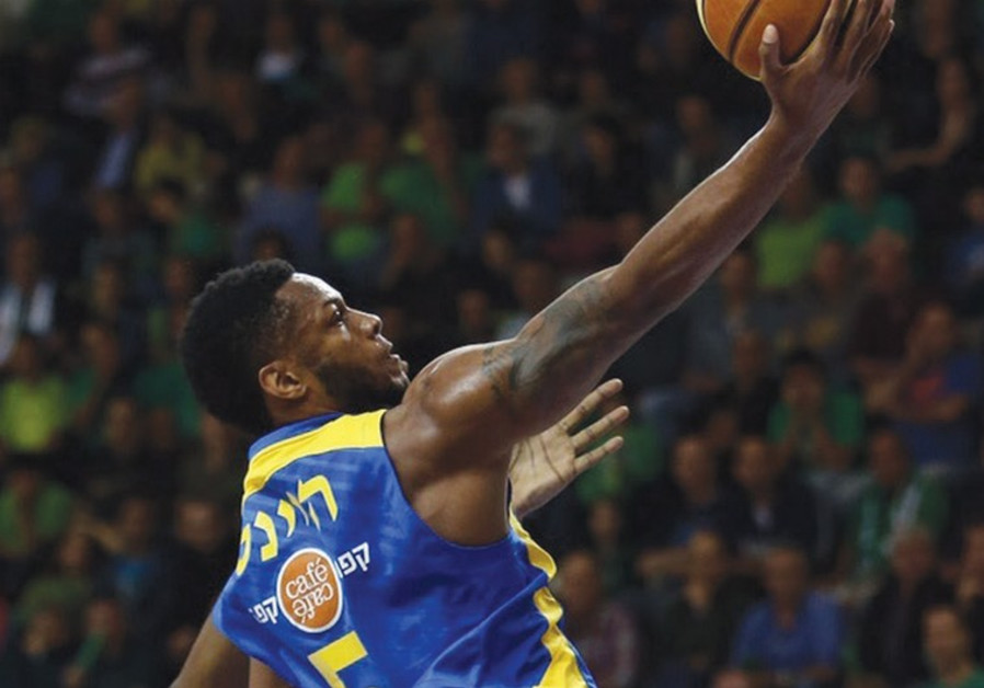 Maccabi Tel Aviv guard Marquez Haynes