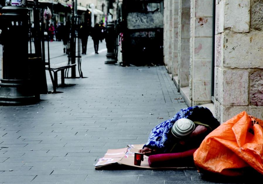 Un sans-abri dans les rues de Jérusalem