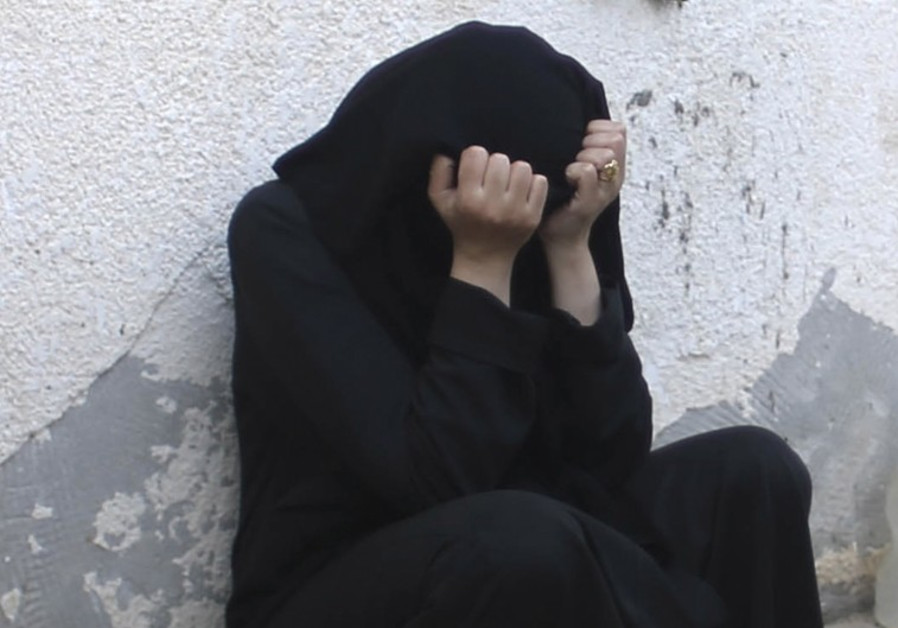 Yazidi Women Dragged By Their Hair, Sold Into Sex Slavery By Isis For 25 -5201