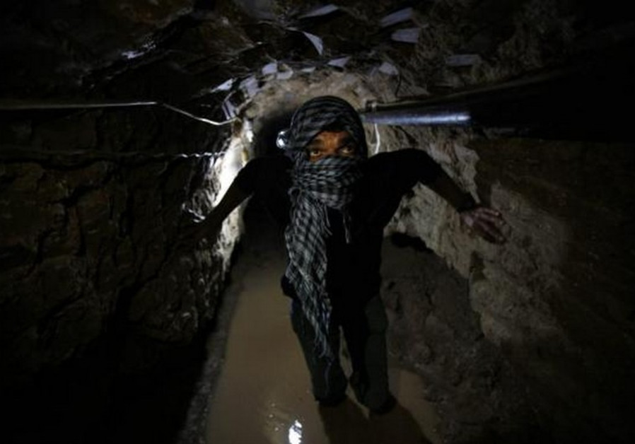 Israel uses fighters trapped in Gaza tunnel as